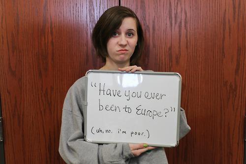 Um exemplo horrível de microagressão: perguntar a alguém se já esteve na Europa. Crédito da foto http://purpmagazine.com/lets-discuss-nu-microaggressions/swag